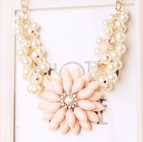 Fashion Flowers Pink Metal Necklace