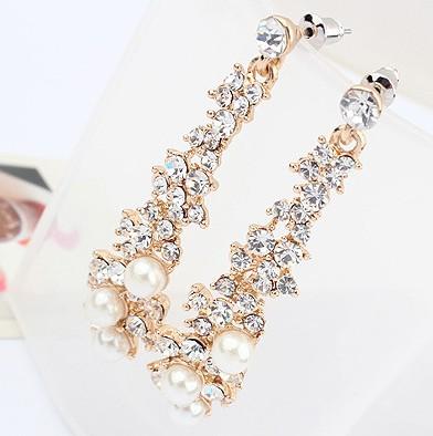 Celebrity Fashion Pearls Embellished Metal Earring