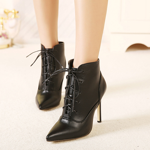 Discover a wide range of ankle boots for women at cheap prices! Choose from flat or heeled, black or brown, leather or suede, all with free delivery.