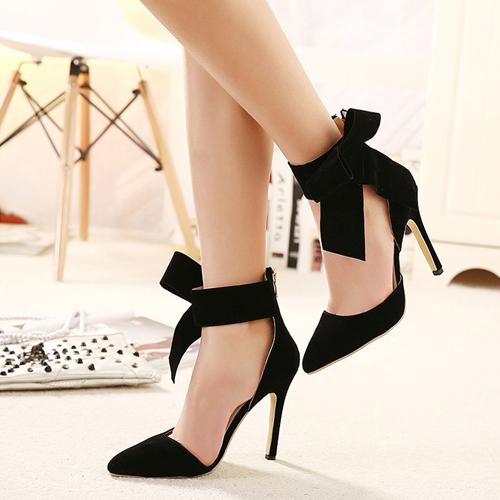 小さい靴を自力で伸ばす方法 -こんにちは。くだら …