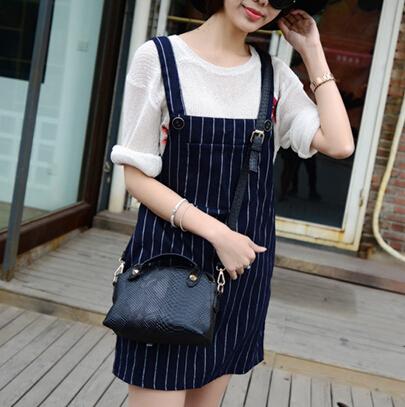Cheap Women Fashion Zipper Design Snake Skin Black PU Slanting Bag