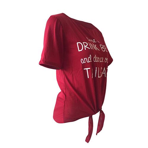 Leisure Ronda cuello manga corta cartas impresas vino rojo poliéster camiseta
